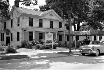 Hotel Regis Restaurant Rt. 9 Red Hook 1956 (1)