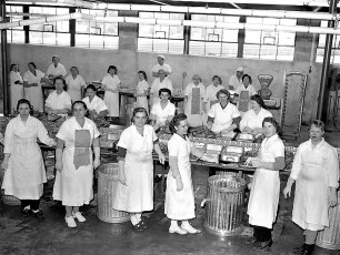Orchard Hill Farm The Pie Factory Red Hook 1959 (7)
