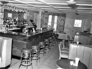 Red Hook Hotel 1961 (1)