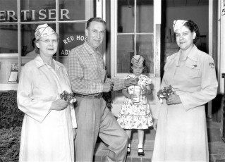 Red Hook Legion Aux. & VFW Aux. selling poppies 1955