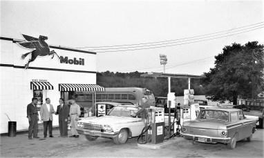 Ken's Garage Mobil Station Philmont 1963