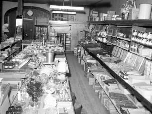 Dino's Department Store Tivoli 1966 (2)