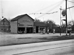 Ray Milone Shell Station Tivoli 1952 (2)