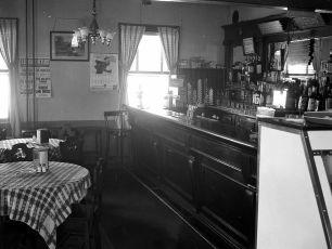 Reese's Bar Tivoli 1949 (2)