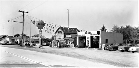 Shell Gas Station Rt 9G Tivoli 1960