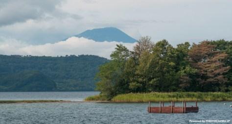 洞爺湖から雲に浮かぶ羊蹄の頭