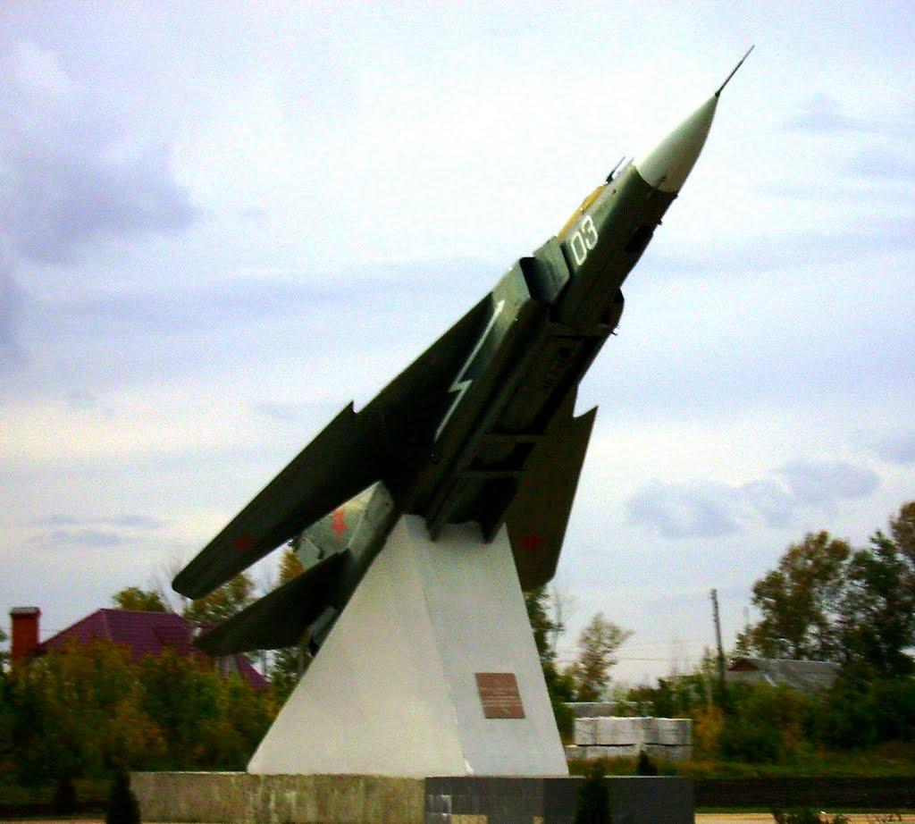 Фото МиГ-23 на старте (обычный монумент в селах Липецкой ...