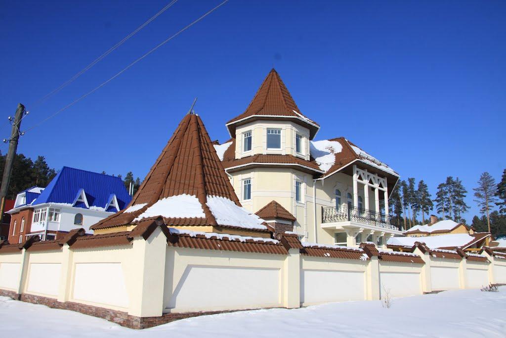 Фото Современные дворцы и замки Сысерти в городе Сысерть