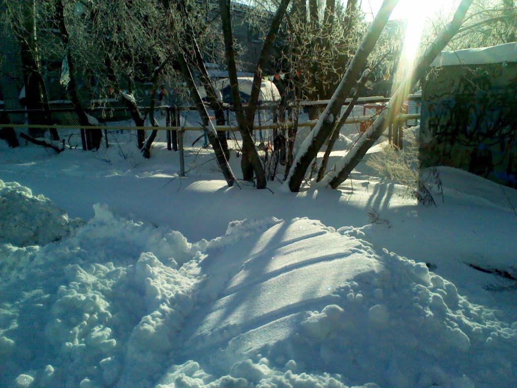 Фото У детского сада в городе Ишим