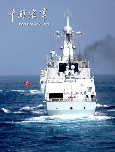 資料圖:南海艦隊大規模實彈演習。
