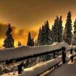 Valódi HDR havas tájjal naplementekor