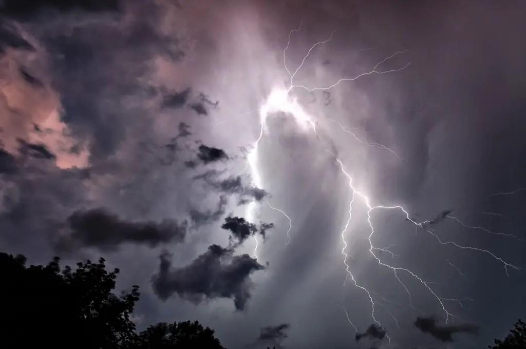 Bolts of lightning at night.