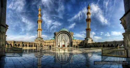 A well done HDR photograph, with all interesting surfaces exposed properly, without any overcooking.  Photo by Misjad Wilayah.
