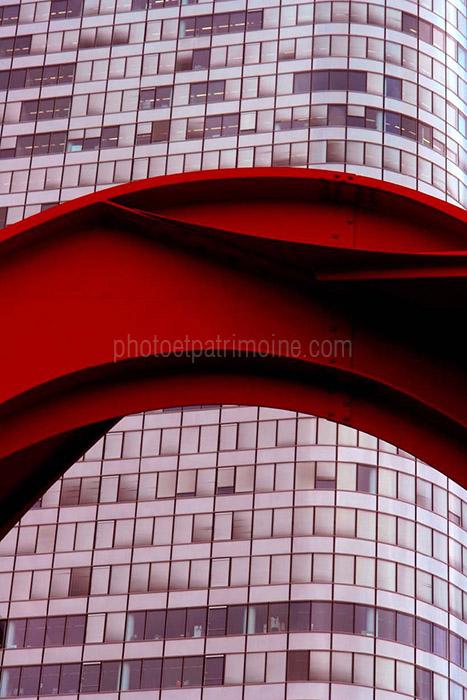 Le grand stabile rouge - Alexander Calder © Michel Bourguet