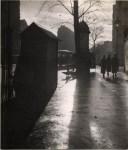 Pierre Jahan, Paris contrejour, 1940 Épreuve argentique noir et blanc d´époque © Courtesy Michèle Chomette, Paris