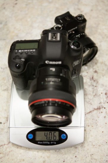 Weight of the Canon 5D Mark III, with 85mm 1.2 II, without battery and card.