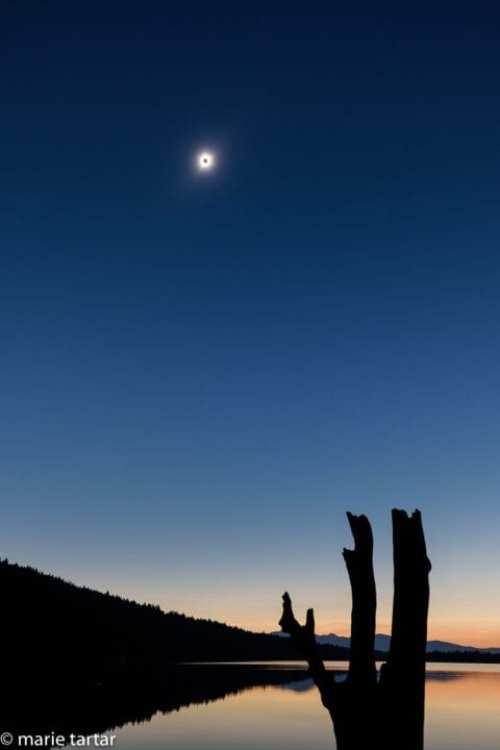 Grand teton lake 2017 eclipse © Marie Tartar
