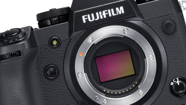 Mirrorless Camera Maniac: Fuji's New X-H1