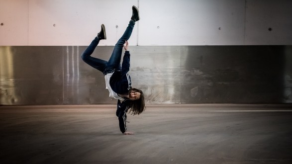 upside down, girl, breakdance, handstand