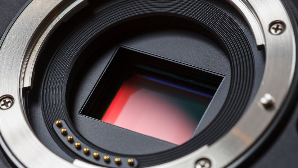 The age of the mirrorless camera starts now