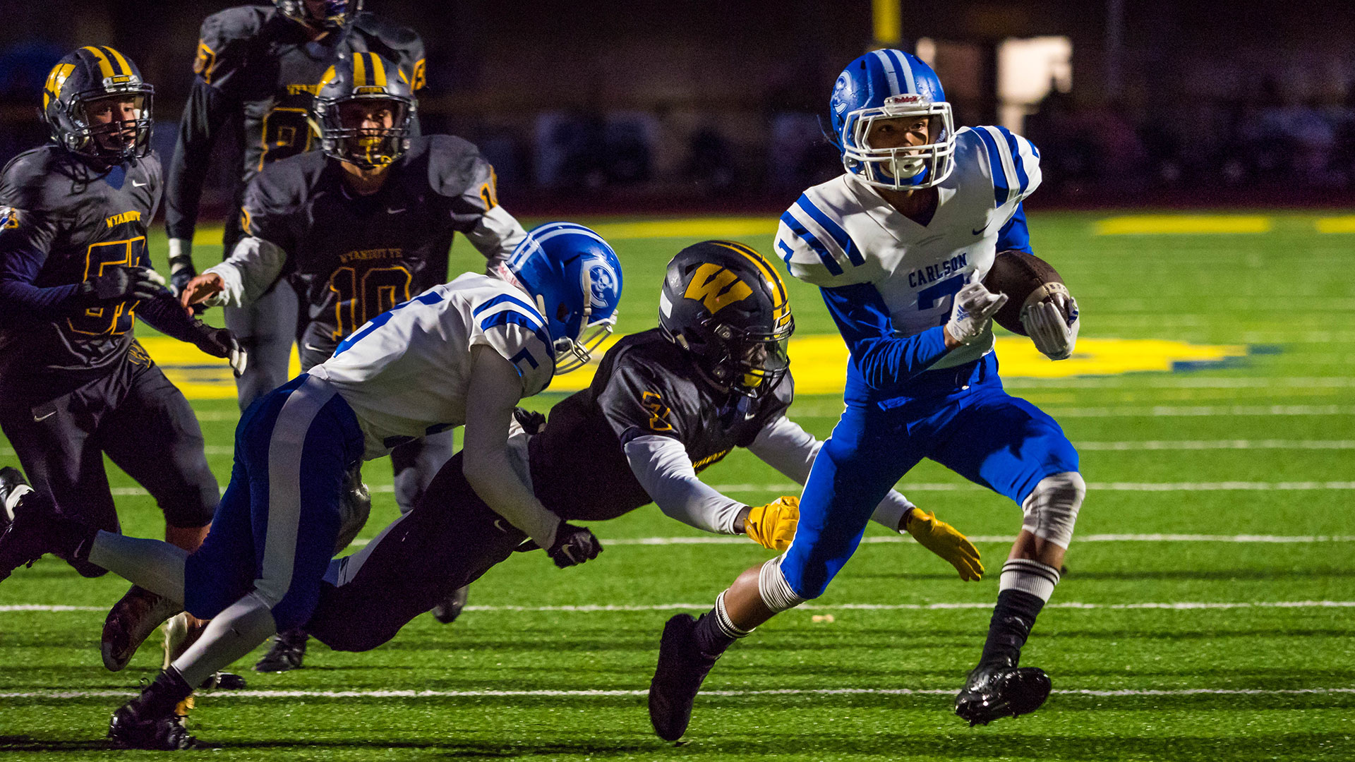 QnA VBage Photographing high school football with the Olympus OM-D E-M1 Mark II, part two