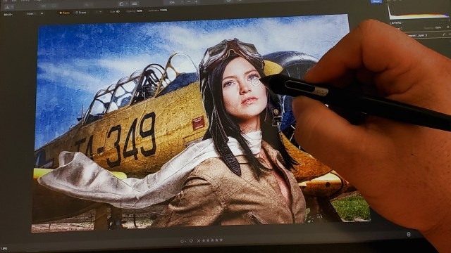 How a photographer uses a Cintiq creative pen display