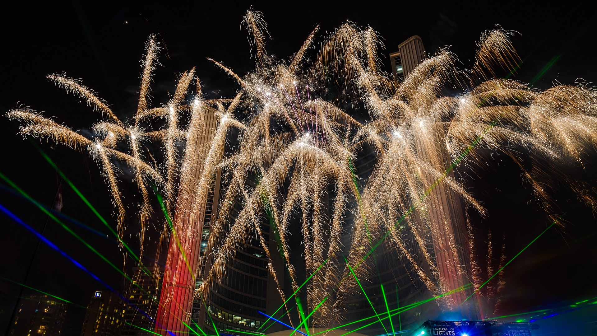 Seven tips to photograph fireworks and architecture   Photofocus