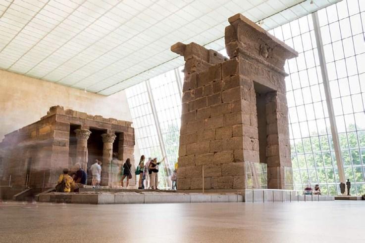 Temple of Dendur, Metropolitan Museum of Art, New York, New York ISO 100; 4 sec.; f/18; 18mm