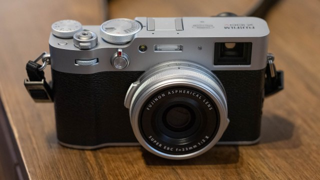 The new Fuji X100V: A review of the most important camera of the decade