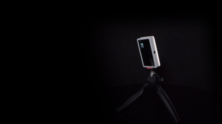 Mounting a Lume Cube Panel Mini on a tripod