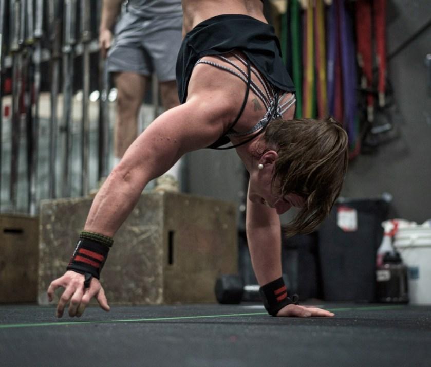 CrossFit athlete handstand