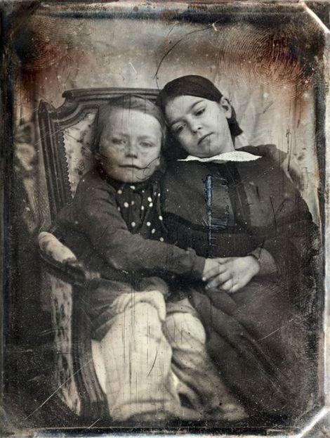 Auguste Mestral - Gustave Le Gray Portrait d'enfants 1848 Daguerréotype quart de plaque vendu chez PBA juillet 2018 3700 €