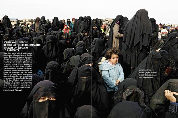Double page de Patrick Chauvel dans Paris Match