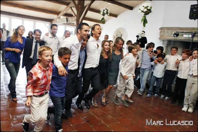 photo bar mitzvah les enfants dansent