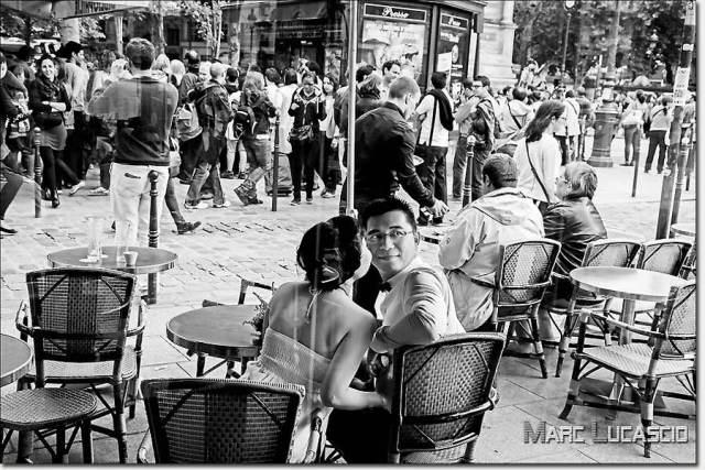 séance photo terrasse de café à Saint Germain des près