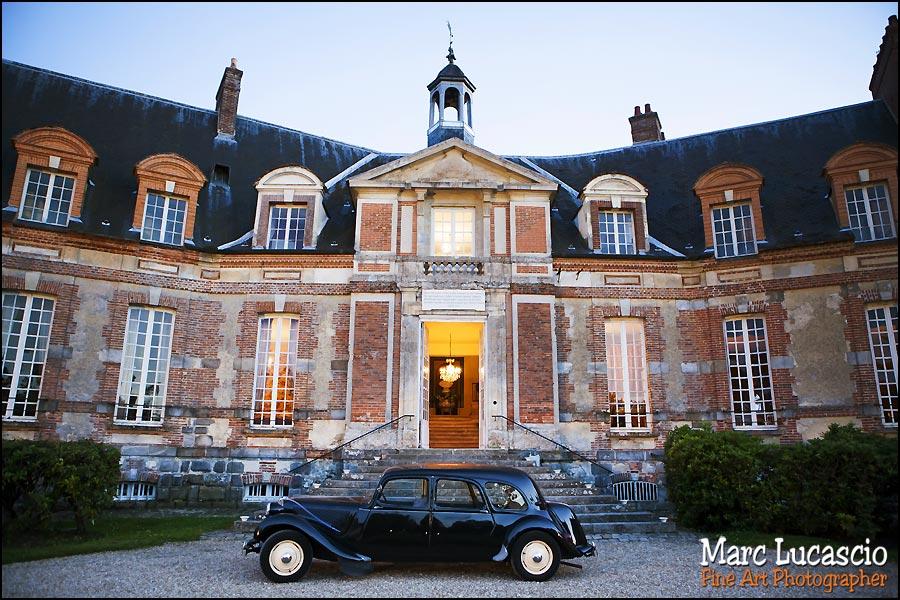 Voiture de mariage château de Neuville