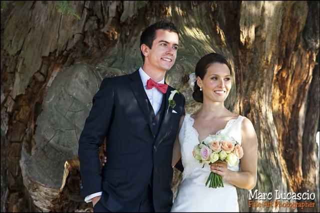 mariage saint emilion couple sous un chene