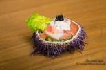 Photographe culinaire Paris, Photographie publicitaire, salade saumon concombre et creme dans une coquille d'oursin