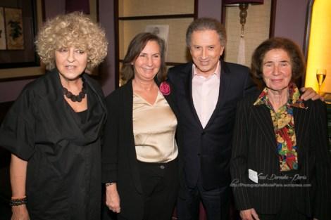 Photo de Elisabeth Reynaud, Teresa Cremisi, Victoria Ocampo et Michel Drucker