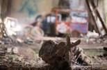 Photographe garage abandonné avec vieux moteur Paris, photo urbex et fine art
