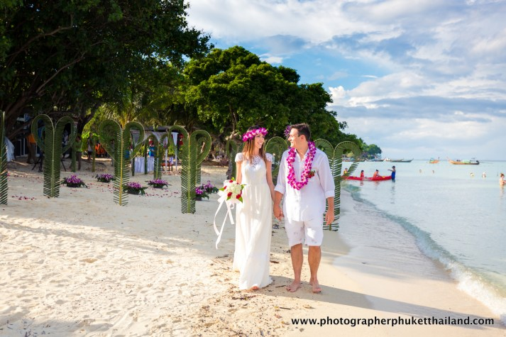 wedding-photo-session-at-phi-phi-island-krabi-thailand-846