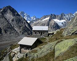 Lauteraarhutte above Unteraargletscher