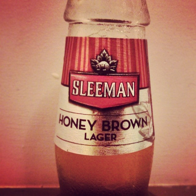 a photo of a sleeman honey brown lager label