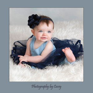 Photographer of baby in tutu