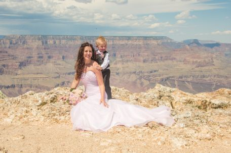 9.1.17 Candi and Brandon Lipan Point Grand Canyon Terri Attridge-11