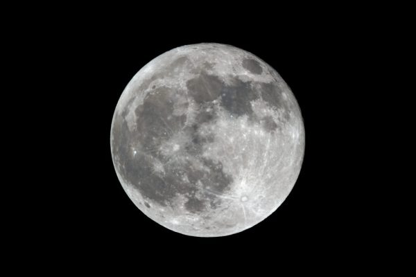 13 SIMPLE TIPS FOR PHOTOGRAPHING THE MOON