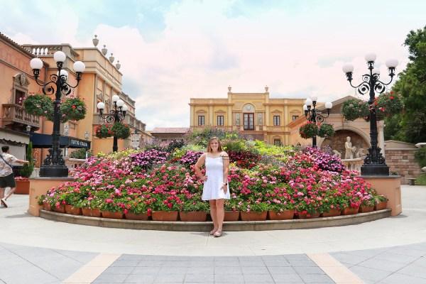 Senior portraits and graduation photography sessions at Walt Disney World theme parks in Orlando, FL