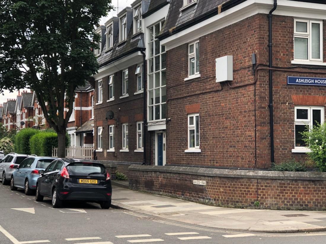 Ashleigh Road, Richmond-upon-Thames - 1