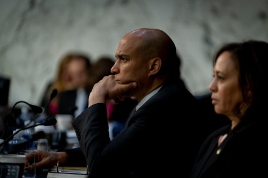 Senators CORY BOOKER (D-NJ) and KAMALA HARRIS (D-CA) at WILLIAM BARR's confirmation hearing to become Attorney General of the United States, January 15, 2019