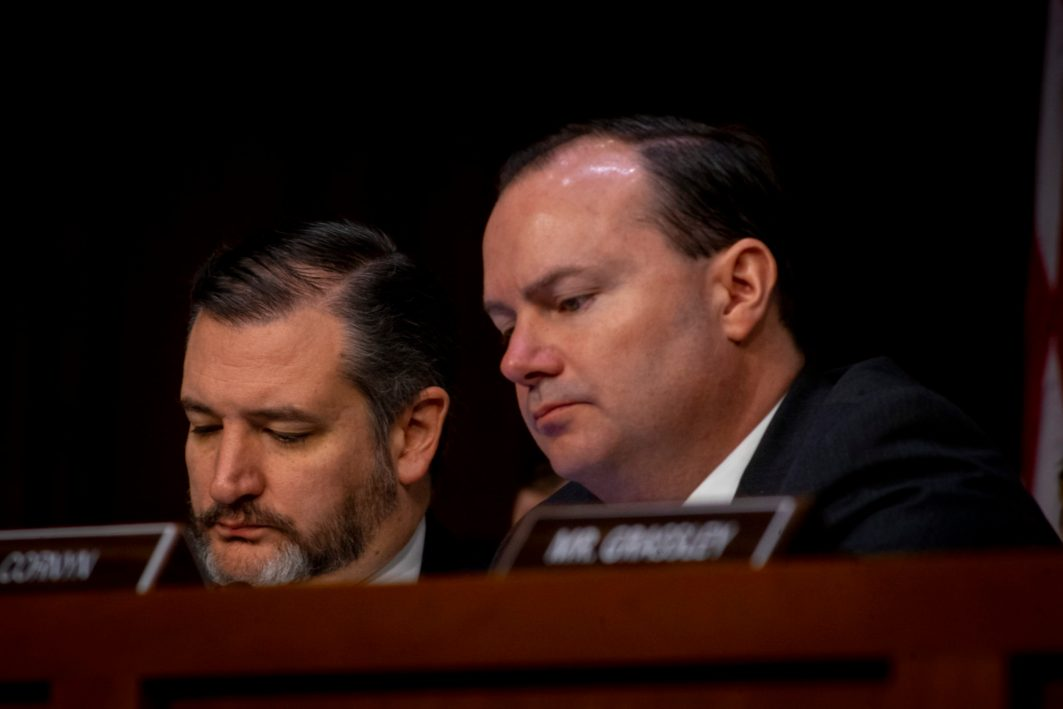 Senators MICHAEL S. LEE (R-UT) and TED CRUZ (R-TX) at WILLIAM BARR's confirmation hearing to become Attorney General of the United States, January 15, 2019